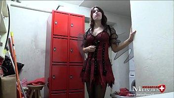 Vampire-Teeny fickt beim Fasching - SPM Carmela20 cumshot suck