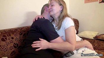 Deutsche Mutter und Vater bei ihrem ersten Porno hardcore mature