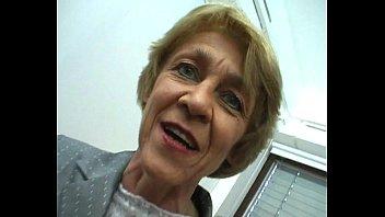 Oma macht gern Sextreffen - German Granny likes livedates Thumb