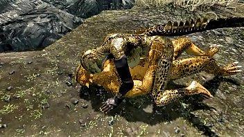 Огромная ящерица трахнул аниме