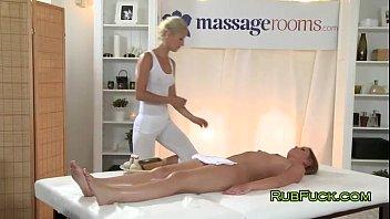 Эротический массаж в трусикахатно без регистрации