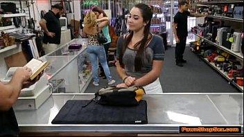 Novinha do redtubenacional na loja da transa