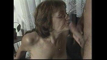 Женщины старше делают минет видио