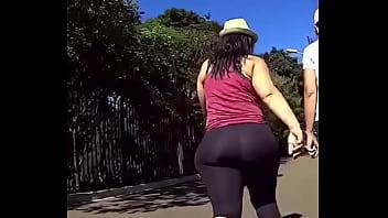 Big booty latina milf in black spandex