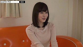 【巨乳】鼻高めな美人のセーターを脱がして綺麗な巨乳をご拝見♪