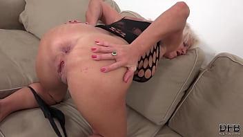 Inez Loves anal Sex Interracial Mature Fuck and Hardcore cum swallowing slut xxx