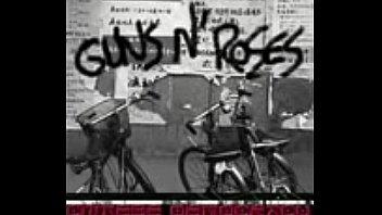 guns n roses rocket queen live 2002