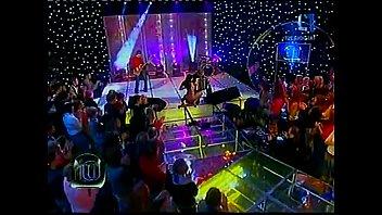 عاريات على مسابقة الموسيقى التلفزيونية الحية