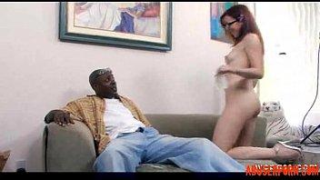 Папа с дочерью живут очень дружно порно