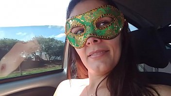 Casada Raquel Exibida gostosa se masturbando na estrada -www.raquelexibida.net