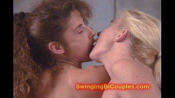 Геи и лесбиянки трахаются вместе