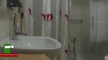 Estrenando el baño mas grande de la casa para follar gui0055