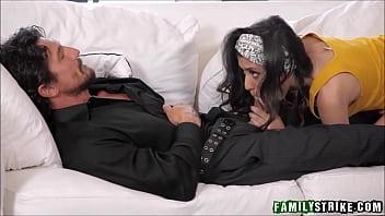 Step Daughter Angel Del Rey Sucks Off Sleeping Dad While Masturbating To Orgasm