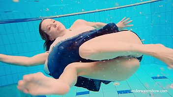 Avenna hot naked sexy underwater teen