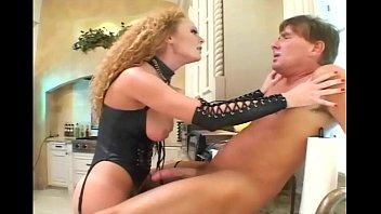 Секси в корсете и чулках