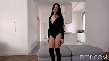 Fit18 - Sasha - 45kg - 158cm - Sultry Brunette