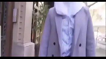 مصرية محجبة تتناك من خليجي بتقولو نروح البيت عشان اخي مايشوفنا