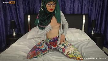 MuslimGirll arab Hijabi Webcam | CKXGirl | www.arabianchicks.com