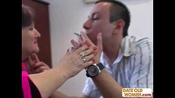 Порно видео сын трахается только с матерью с мамой