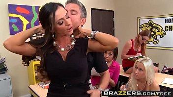 Brazzers - Big Tits at School - (Ariella Ferrera) - The Female Orgasm 101