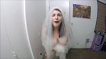 Bride Fucks Best Man Before Leaving To Her Wedding