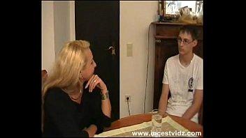 Сын и мать германский секс на видео
