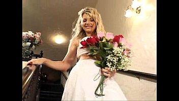 Секс с красивой блондинкой невестой