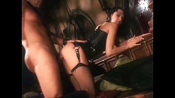 Мать саблазнила дочьку порно лизби