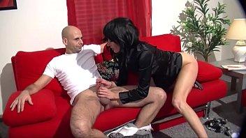 Amateur Ehepaar fickt auf der couch - HD