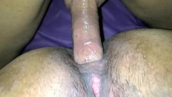 Madura gozando anal