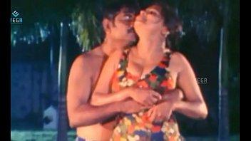 Unmarried Hot Couple Enjoying At Swim girl