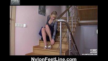 Follando en la escalera