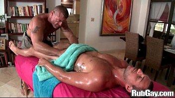 Hot Dude Massagep2