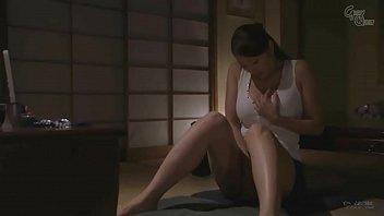 Suami meninggal lebih awal, istri Jepang menginginkan seks