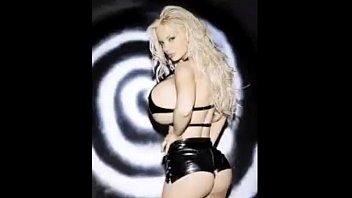 Порно фото самой огромной груди бисексуалы