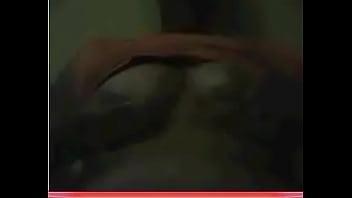Порно грудастая брюнетка сосет
