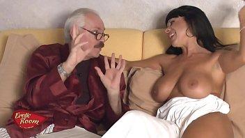 Erotic Room-Ospite Sonia Eyes