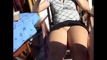 outdoor upskirt flash pantyless