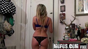 Mofos - Pervs On Patrol - Seeing the Sudsy Shaving Skank starring  Vanessa X