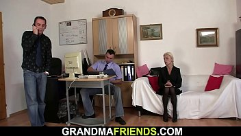 Old skinny blonde granny double penetration