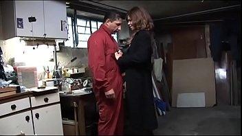 Порно сын загипнотизировал мать видео