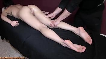Brooklyn Daniels - Erotic Massage and Squirting