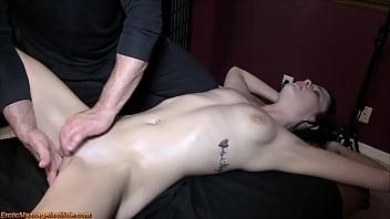 Эротический массаж kuru