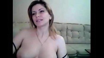 uictuvi Coroa mostrando os peitos na webcam
