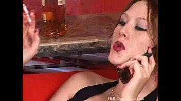 Порно видео парень трахает младшую сестренку русское