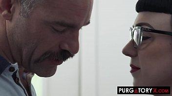 PURGATORYX Follando una MILF caliente y su pequeña hijastra
