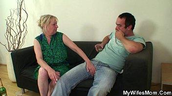 Порно сыновья ебут матерей россия