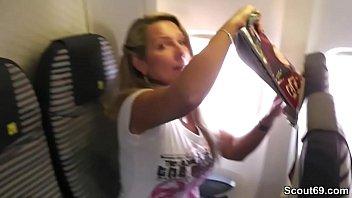 Una milf tedesca arrapata scopa in vacanza con sconosciuti su SexTape