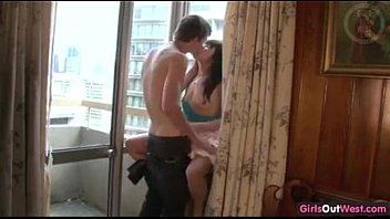 Taiwanese girl'_s boyfriend in Australia