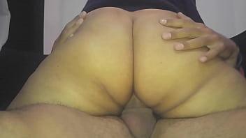 Строгая брюнетка порно